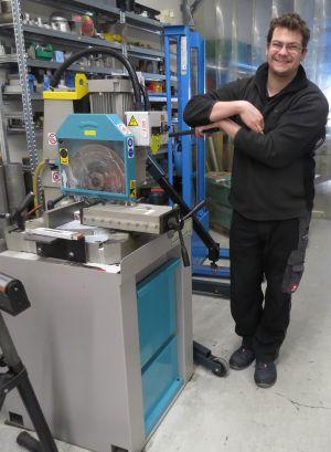 Erodiermaschine RFEX und Y manuellBehälter 600 x 5